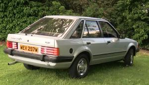 foto bagian samping mobil ford escort 1981 putri diana
